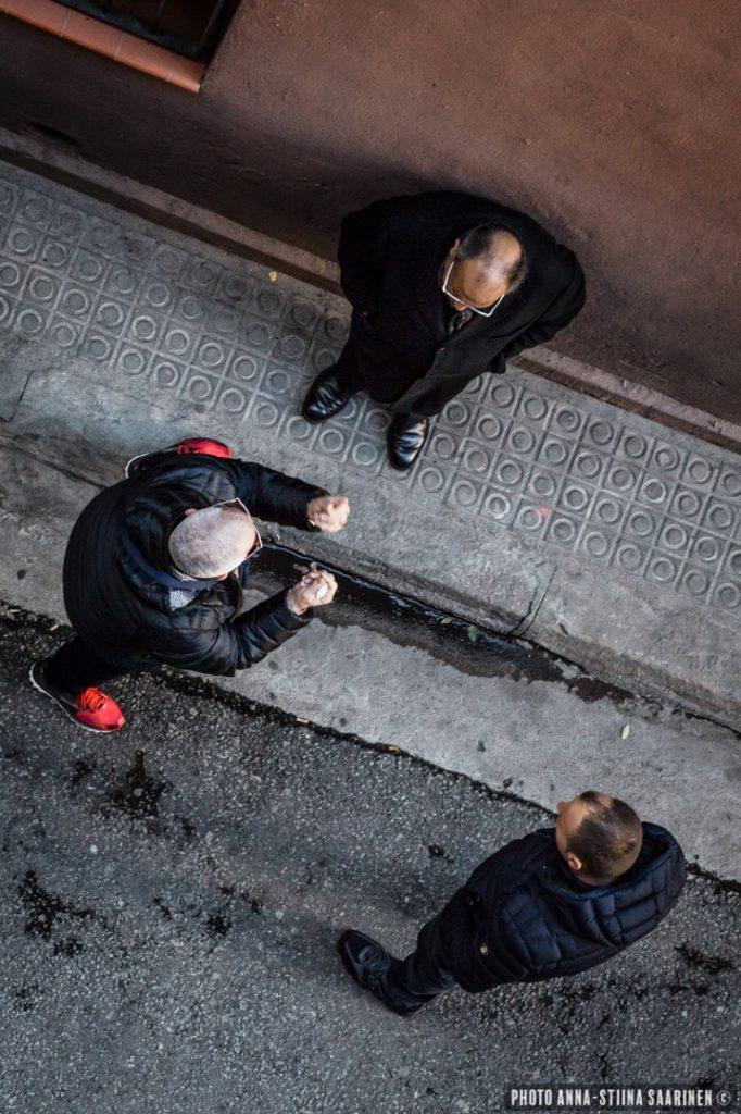 Discussion on the street, Barcelona 2016, photo Anna-Stiina Saarinen