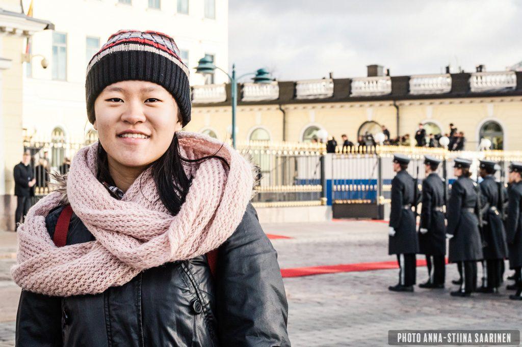 An exchange student from Taiwan in Helsinki, behind President's castle 2016, photo Anna-Stiina Saarinen