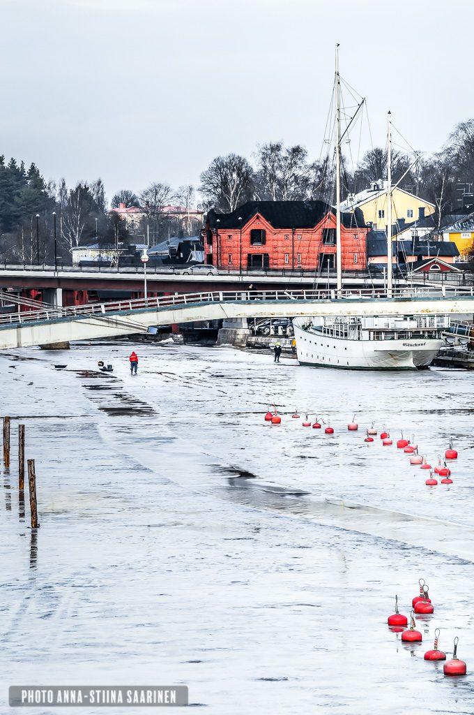 Meeting on the ice in Porvoo 2015, Finland, photo Anna-Stiina Saarinen