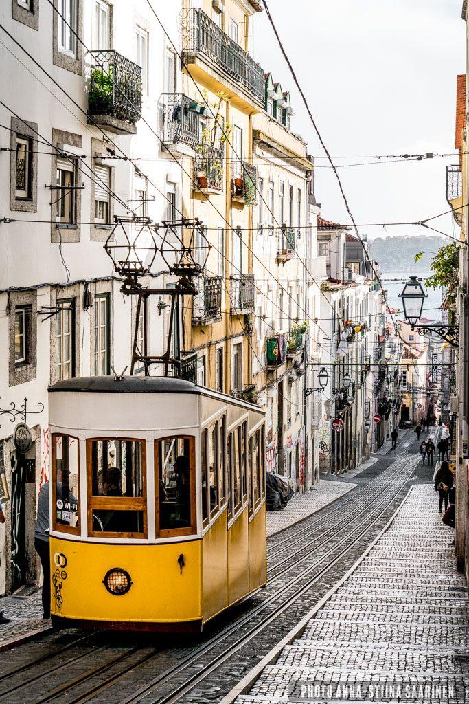 Ascensor da Bica, Lisboa, photo Anna-Stiina Saarinen