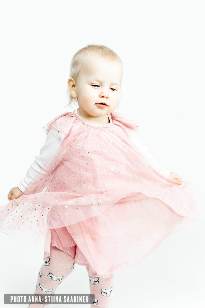 Portrait, child photo, lapsikuvaus, photo Anna-Stiina Saarinen