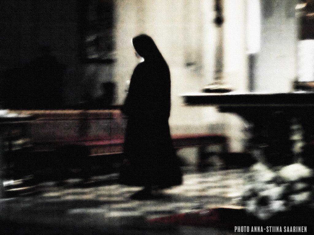 A nun in the altar, Krakow photo Anna-Stiina Saarinen
