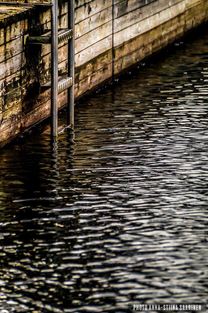 Ascent, water, depth, ladder, dock, photo Anna-Stiina Saarinen