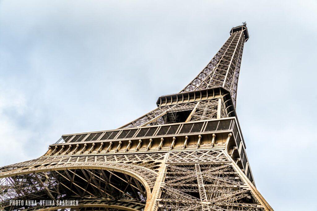 Eiffel Tower Paris photo Anna-Stiina Saarinen annastiinasphotos.com